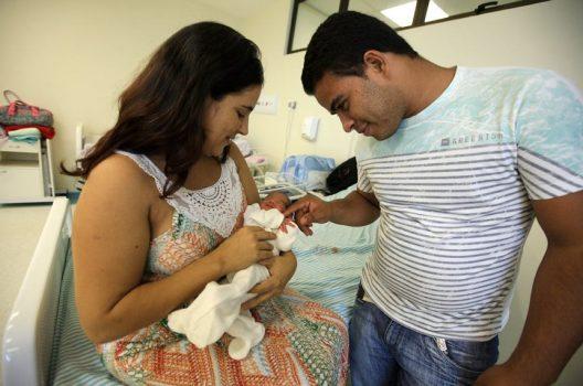 Projetos em discussão na CAS ampliam licença-maternidade