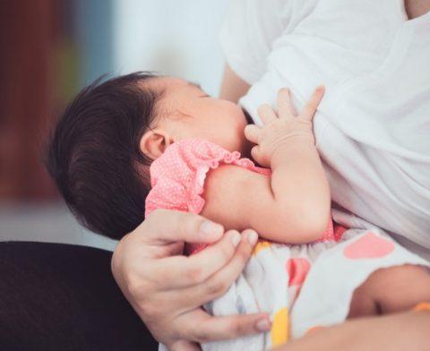 Servidoras públicas, no Distrito Federal, poderão amamentar no trabalho até bebê completar 1 ano