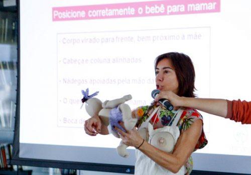 Em workshop, especialistas ensinam tudo sobre amamentação